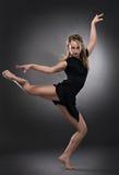холодная женщина танцора стоковое фото rf
