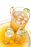 холодное опрокинутое питье стоковые фотографии rf