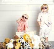 Холодные дети стоковое изображение rf