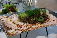 Холодные отрезки с овощем ростбифа свинины Стоковые Изображения RF