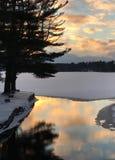 Холодный заход солнца зимы Snowy Стоковая Фотография
