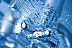 холодный кран стоковые фото