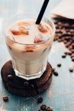 Холодный свежий конец кофе льда вверх скопируйте космос Стоковые Фото