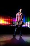 холодный скейтбордист ванты Стоковая Фотография RF