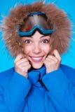 Холод ощупывания лыжника Smiley стоковые изображения