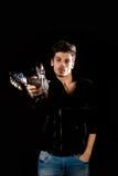 Холодный человек с электрической гитарой Стоковая Фотография