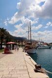 Хорватия Makarska Обваловка порта стоковые изображения rf