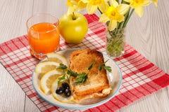 Хорошая и очень вкусная еда и напитки для здравицы завтрака с Стоковое фото RF