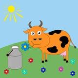 Хорошая корова шаржа пася в луге Стоковое Изображение RF