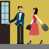 Хорошие образы человек раскрывает дверь для женщины этикет декорум предпосылка изолированная над женщиной покупкы белой элегантно Стоковое фото RF