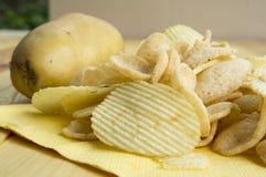 Холестерол картофельной стружки тучный посолил концепцию фаст-фуда старья Стоковое Фото