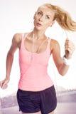 Ход женщины фитнеса Стоковые Фотографии RF