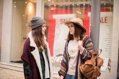 Ходить по магазинам женщин Стоковая Фотография RF