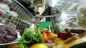 Ходить по магазинам на супермаркете акции видеоматериалы