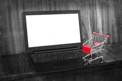 Ходить по магазинам он-лайн стоковая фотография