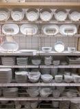 Ходить по магазинам для плит стоковые изображения rf