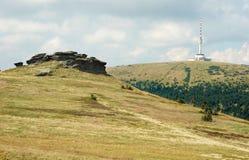 Холмы горы в пасмурном дне Стоковые Изображения