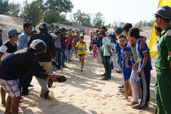 Холм песка креста гонки марафона Стоковое Изображение