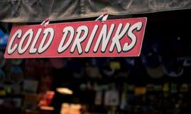 холод выпивает знак Стоковые Фото