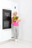 Холодильник свежих овощей женщины сырцовый Стоковая Фотография