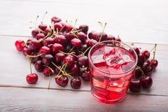 Холодные плодоовощи anf сока вишни Стоковое Изображение RF