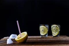 холодный лимон питья Стоковое Фото
