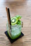 Холодный коктеиль кивиа сочный Стоковое Изображение