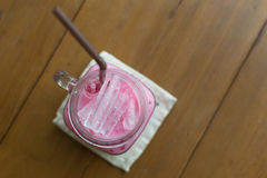 Холодный напиток молока розовый сладостный Стоковое Изображение