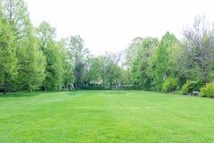 Холодный парк температуры Outdoors обметывает день погоды холодный пасмурный Стоковая Фотография