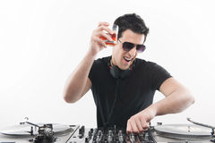 Холодный DJ на turntable. Стоковые Фото