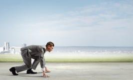 ход принципиальной схемы конкуренции бизнесмена дела портфеля Стоковое Изображение RF