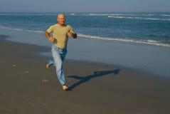 ход человека пляжа Стоковая Фотография RF