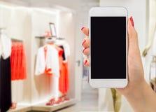 Ходя по магазинам онлайн одежда Стоковое Изображение