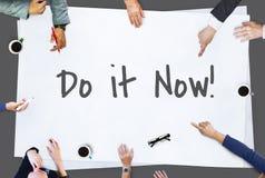 Храброе время поощрения подействовать устремленности Concep мотивировки Стоковая Фотография RF