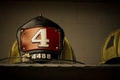 Храбрый шлем пожарного стоковая фотография rf