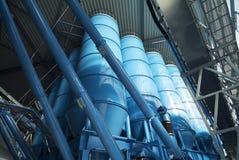 Хранение силосохранилищ башни навальное Стоковое Фото