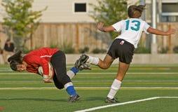 хранитель вратаря сохраняет футбол Стоковое Фото