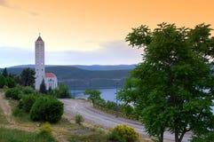 Христианская церковь на адриатическом морском побережье Стоковая Фотография