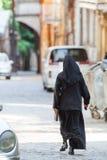 Христианские монашки идя вниз с улицы Стоковая Фотография RF