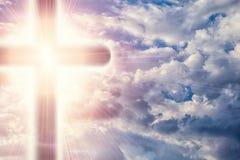 Христианский крест в раях Стоковое Изображение