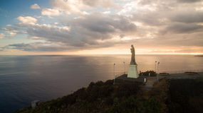 Христос статуя короля католический памятник на вид с воздуха острове Мадейры, Португалии Стоковое фото RF