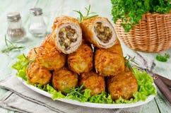 Хрустящие котлеты картошки с мясом, грибами и сыром стоковое изображение rf