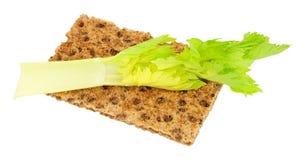 Хрустящий хлеб с едой диеты калории сельдерея низко- стоковое фото