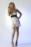 худенькая девушка в белом платье Стоковая Фотография