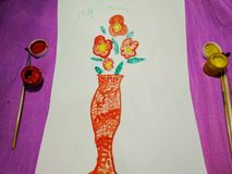 Художественная открытка на День матери от ребенка стоковое фото rf
