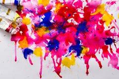 художническая предпосылка цветастая трубки Масл-краски на чертеже акварели Стоковые Фото