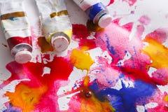 художническая предпосылка цветастая трубки Масл-краски на чертеже акварели Стоковое Изображение