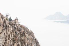 ХЭНАНЬ, КИТАЙ - 10-ое ноября 2015: Живописная местность Sanhuangzhai известный l Стоковое фото RF