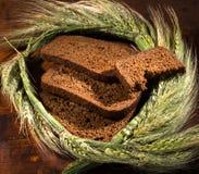 Хлебопекарня соединяет хлеб Стоковые Фото