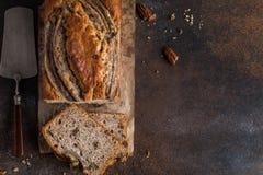 Хлеб банана Пеканы и торт хлебца банана карамельки Стоковое фото RF